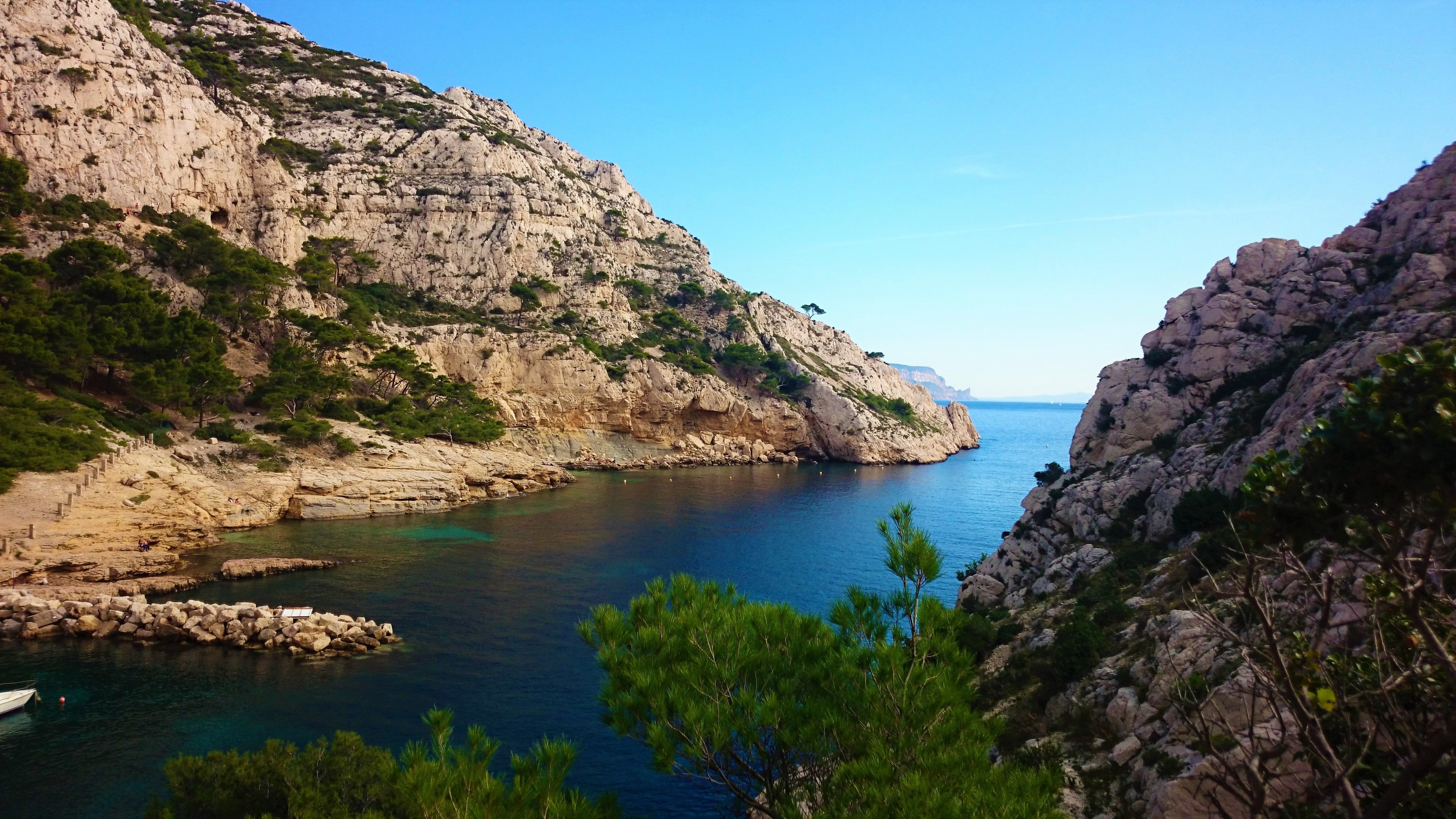 70/Photos/Photos_Tourisme/calanques_marseille.jpg